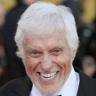 Dick Van Dyke in The 18th Annual Screen Actors Guild Awards - Arrivals