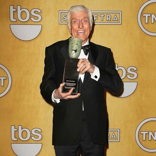 Dick Van Dyke in 19th Annual Screen Actors Guild Awards - Press Room - dick-van-dyke-19th-annual-screen-actors-guild-awards-press-room-03