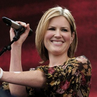 Dido in Live 8 Make Poverty History Concert