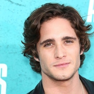 Diego Boneta in 2012 MTV Movie Awards - Arrivals