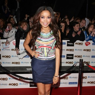 Dionne Bromfield in The MOBO Awards 2011 - Arrivals