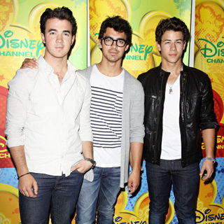 Jonas Brothers in Disney/ABC Television Group Summer Press Junket - Arrivals