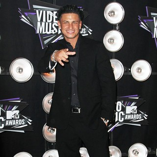 DJ Pauly D in 2011 MTV Video Music Awards - Arrivals