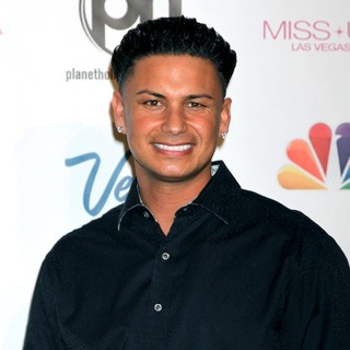 DJ Pauly D in 2013 Miss USA Pageant - Arrivals