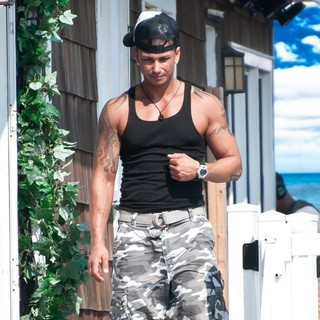 DJ Pauly D in The Jersey Shore Cast Move Out of Their Home