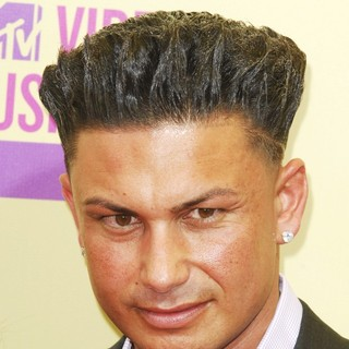 DJ Pauly D in 2012 MTV Video Music Awards - Arrivals - dj-pauly-d-mtv-video-music-awards-01