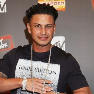 DJ Pauly D in Jersey Shore Season 6 Premiere Party - dj-pauly-d-premiere-jersey-shore-season-6-01