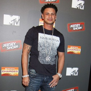 DJ Pauly D in Jersey Shore Season 6 Premiere Party - dj-pauly-d-premiere-jersey-shore-season-6-03