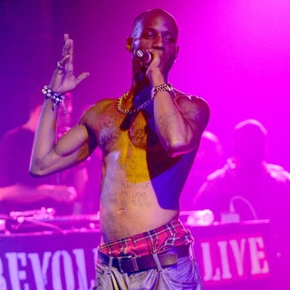 DMX Performing Live to Promote His CD Undisputed - dmx-performing-live-promote-undisputed-11