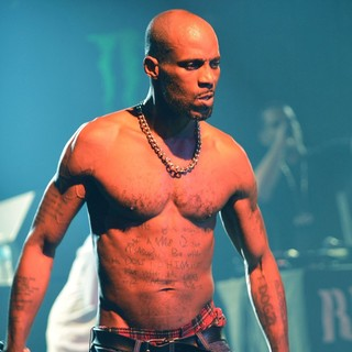 DMX Performing Live to Promote His CD Undisputed - dmx-performing-live-promote-undisputed-13