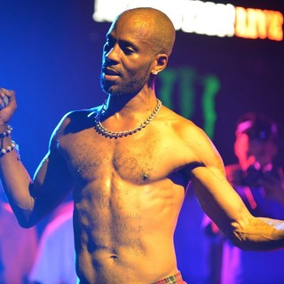 DMX Performing Live to Promote His CD Undisputed - dmx-performing-live-promote-undisputed-19