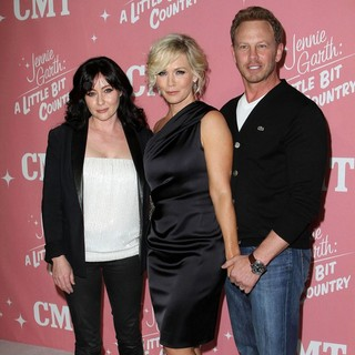 Shannen Doherty in Jennie Garth's 40th Birthday Celebration and Premiere Party for Jennie Garth: A Little Bit Country - doherty-garth-ziering-jennie-garth-40th-birthday-03