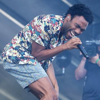 Donald Glover in iHeartRadio Music Festival 2014 - Day 2 - Performances - donald-glover-iheartradio-music-festival-2014-performances-03