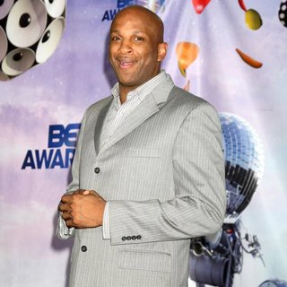 Donnie McClurkin in The 11th Annual BET Awards - Press Room