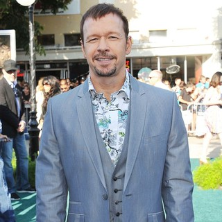 Donnie Wahlberg in The Los Angeles Premiere of Zookeeper - Arrivals