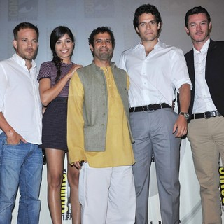 Stephen Dorff, Freida Pinto, Tarsem Singh, Henry Cavill, Luke Evans in Comic Con 2011 - Celebrities at The Convention Centre - The Immortals Panel