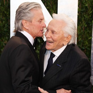 Kirk Douglas in 2012 Vanity Fair Oscar Party - Arrivals - douglas-2012-vanity-fair-oscar-party-01