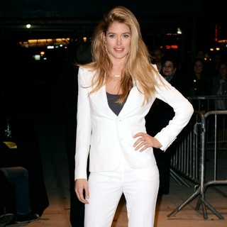 Doutzen Kroes in Premiere of Killing Them Softly - Outside Arrivals
