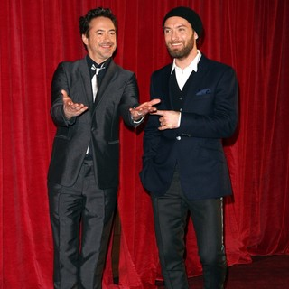 Robert Downey Jr., Jude Law in Sherlock Holmes: A Game of Shadows Premiere - Arrivals