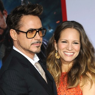 Robert Downey Jr. in Iron Man 3 Los Angeles Premiere - Arrivals - downey-jr-levin-premiere-iron-man-3-01