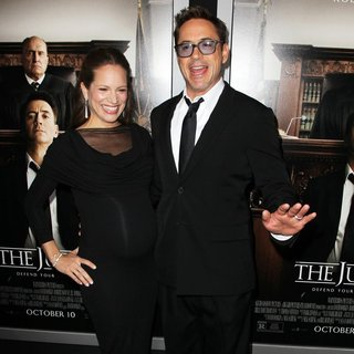Susan Levin, Robert Downey Jr. in Premiere of Warner Bros. Pictures and Village Roadshow Pictures' The Judge