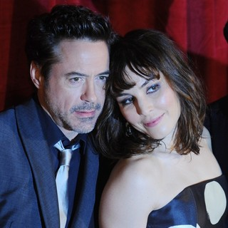 Robert Downey Jr., Noomi Rapace in Sherlock Holmes: A Game of Shadows Premiere - Arrivals