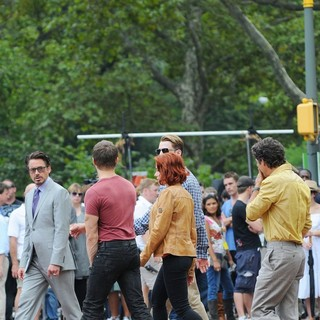 Robert Downey Jr., Jeremy Renner, Scarlett Johansson, Chris Evans, Mark Ruffalo in Actors on The Set of The Avengers Shooting on Location in Manhattan