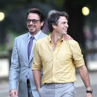 Robert Downey Jr., Mark Ruffalo in Actors on The Set of The Avengers Shooting on Location in Manhattan