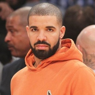 Drake at The Lakers Game
