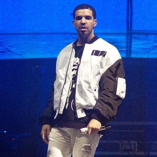 Drake in Drake Performs Live as Part of His Would You Like A Tour?