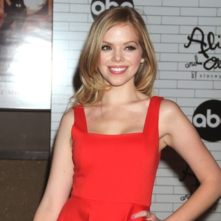 Dreama Walker in The Screening of ABC TV Series Don't Trust the B---- in Apartment 23 - Arrivals - dreama-walker-screening-don-t-trust-the-b-in-apartment-23-02