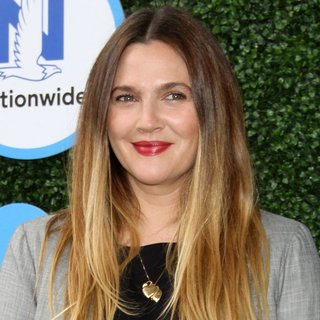 Drew Barrymore in Safe Kids Day 2016