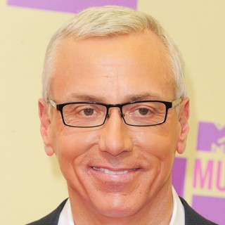 Dr. Drew Pinsky in 2012 MTV Video Music Awards - Arrivals