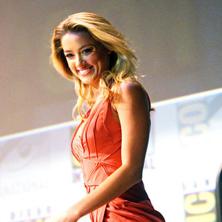 Amber Heard in Comic Con 2010 - Day 2 - 'Drive Angry 3D' Press Conference