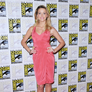 Amber Heard in Comic Con 2010 - Day 2 - 'Drive Angry' Photocall