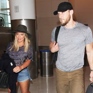 Hilary Duff, Jason Walsh in Hilary Duff Departs from The Airport with Jason Walsh