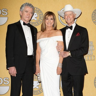 Patrick Duffy, Linda Gray, Larry Hagman in The 18th Annual Screen Actors Guild Awards - Press Room
