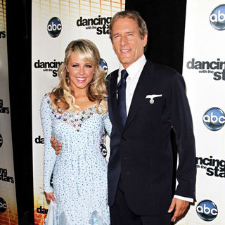 Chelsie Hightower, Michael Bolton in 'Dancing with the Stars' Season 11 Premiere - Arrivals