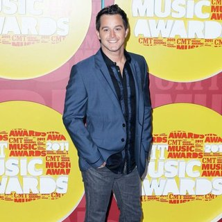 Easton Corbin in 2011 CMT Music Awards
