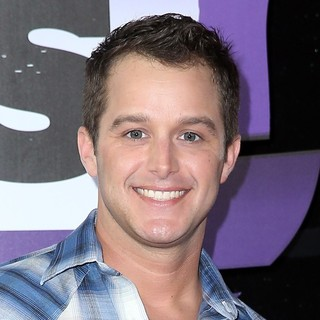Easton Corbin in 2013 CMT Music Awards - Arrivals