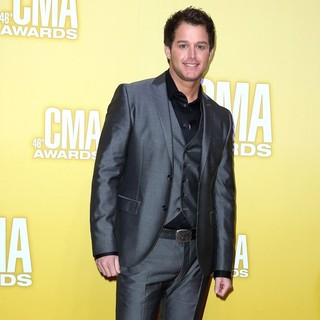 Easton Corbin in 46th Annual CMA Awards