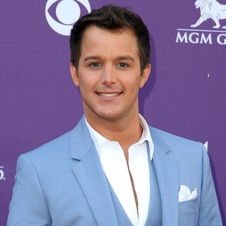Easton Corbin in 48th Annual ACM Awards - Arrivals