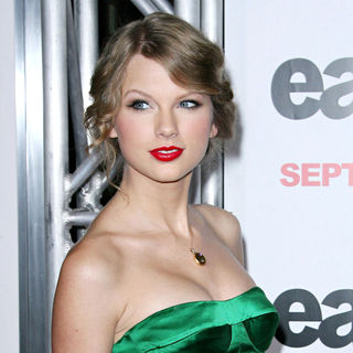 Taylor Swift - Los Angeles Premiere of 'Easy A'
