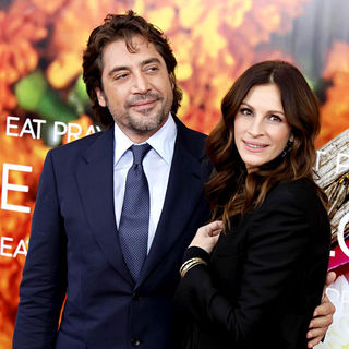 Javier Bardem, Julia Roberts in New York Premiere of 'Eat, Pray, Love' - Arrivals