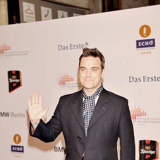 Robbie Williams in 19th Annual Echo Awards 2010 - Red carpet arrivals