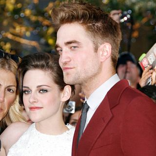 Kristen Stewart, Robert Pattinson in 2010 Los Angeles Film Festival - Premiere of 'The Twilight Saga's Eclipse' - Arrivals