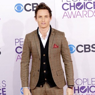 Eddie Redmayne in People's Choice Awards 2013 - Red Carpet Arrivals
