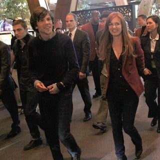 Jesse Eisenberg, Isla Fisher in On Set for The Film Now You See Me