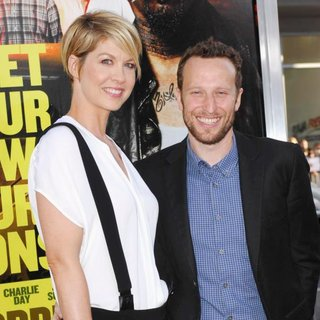 Jenna Elfman, Bodhi Elfman in The Los Angeles Premiere of Horrible Bosses - Arrivals
