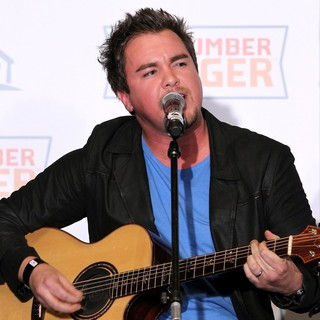 Mike Eli, Eli Young Band in Outnumber Hunger Benefit to Fight Hunger
